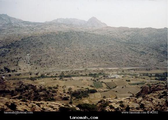 جبل اهبل في قرية ال جبران في بني لام شمال تنومة مناظر 1422