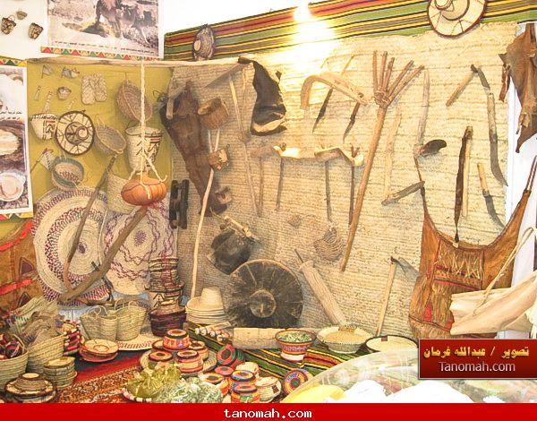 الجنادرية 1430 - ادوات تراثية متنوعة كانت تستخدم في الزراعة والمنزل والاستخدام الشخصي والملابس