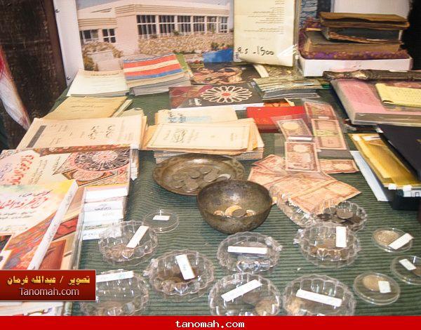 الجنادرية 1430 - انواع مختلفة من العملات القديمة والكتب والمخطوطات