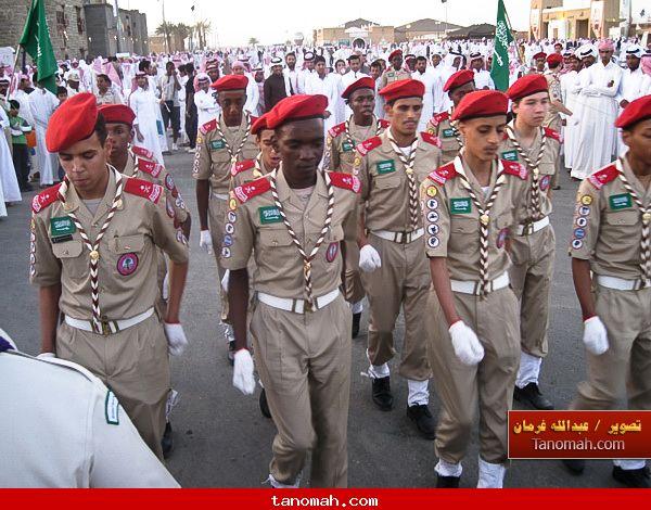 الجنادرية 1430 - عرض عسكري لمجموعة من الطلبة الإستعراضيين المشاركين في مهرجان الجنادرية