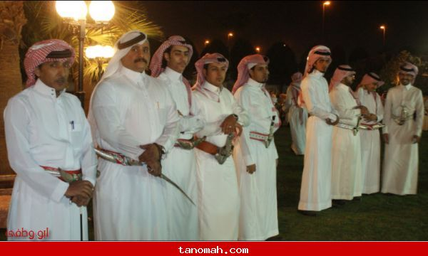 الشيخ علي بن سليمان يكرم الشيخ فايز الحيد بمناسبة تعيينة شيخ شمل قبائل آل برياع