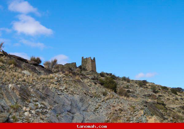 احدى القلاع القديمة على طريق فرعة قريش