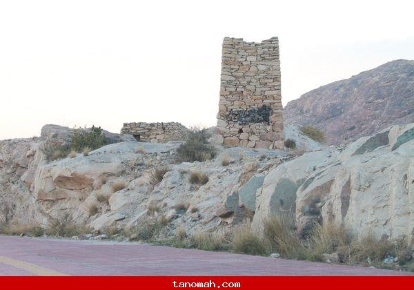 قلعة (جرين الخبزة) امام قرية آل مجادب