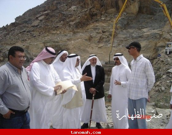 محافظ النماص يتفقد مشروع سد وادي ترج وبدوة - صقر الظهارة