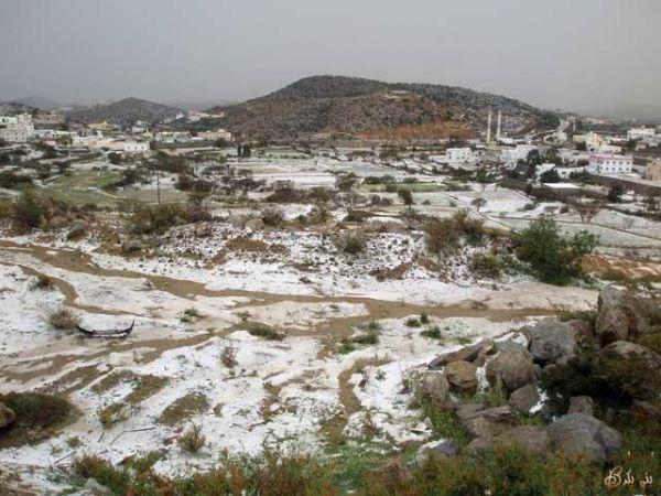 صور مراحل المطر والبرد بالنماص يوم الاثنين 20/4/1431هـ (عدسة العمدة)