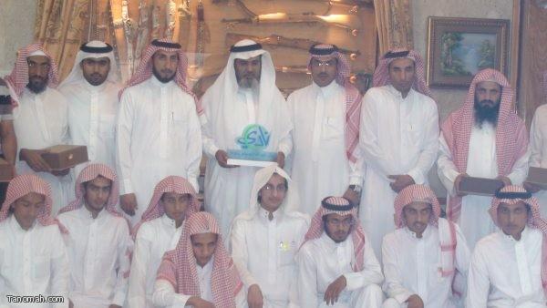 زيارة وفد نادي الملك عبدالله الصيفي لرجل الأعمال سعيد العسيري