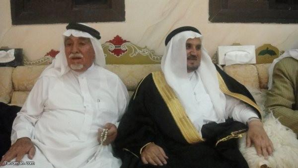 الشيخ علي بن دهمان يكرم الشيخ فراج العسبلي