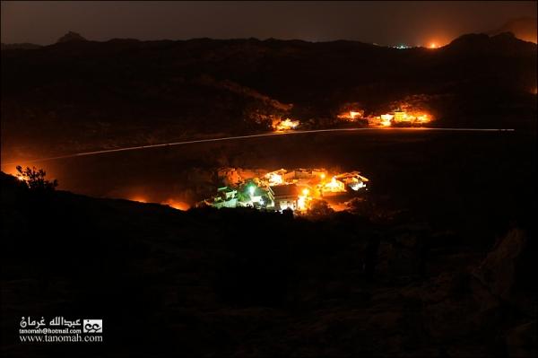صورة ليلية لقرية آل جبران