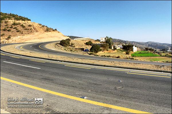 منحنيات طريق الجعد (أبها - الطائف)