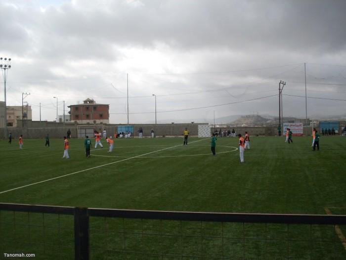 متوسطة الملك فيصل تحقق المركز الثاني في بطولة موبايلي لكرة القدم