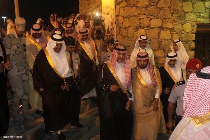 صور ليلة حفل قرية عسير وجناح تنومة في الجنادرية بحضور امير عسير33