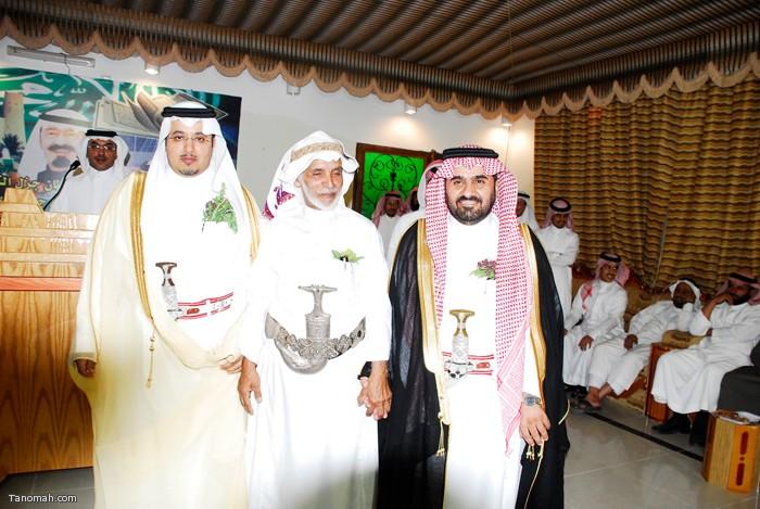 حفل تكريم رؤساء مركز تنومة القرقاح والهزاني وكاتب العدل آل زاهر (تصوير حسم عامر)