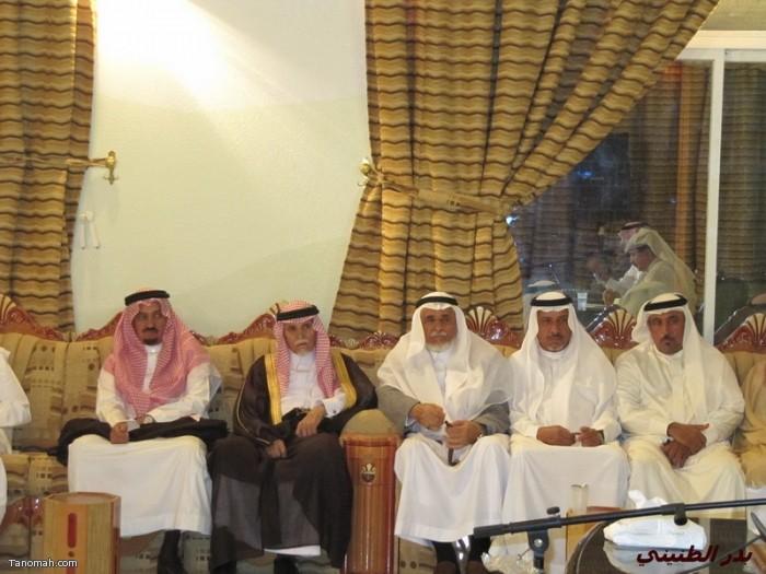 حفل تكريم لعدد من أبناء المنطقه ولقاء الدكتور العواجي في إثنينية تنومة (بدر الطنيني)