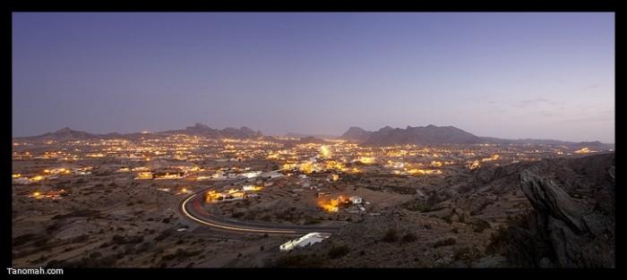 صورة بانورامية لتنومة من المدخل الجنوبي لها (عدسة : رائد عثمان )