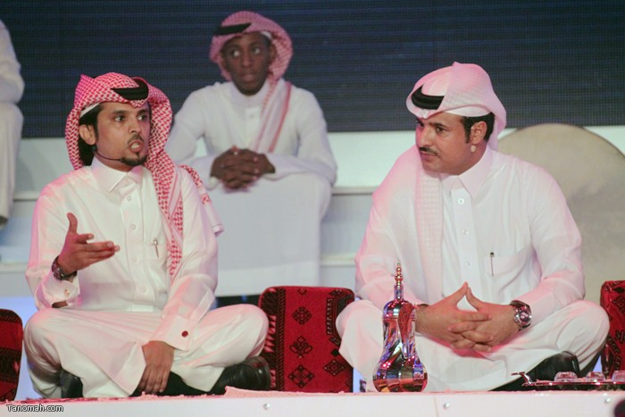 الحلقة السادسة - الجولة الأولى من مسابقة شاعر الملك - الشاعر عثمان الشهري يلقي مشاركته في الجلسة الشعبية