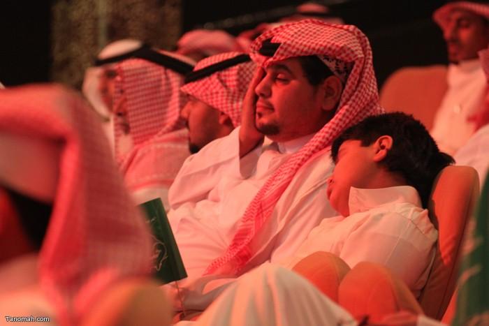 الحلقة السادسة - الجولة الأولى من مسابقة شاعر الملك - النوم في المسرح