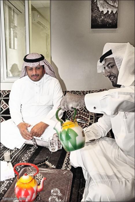 لقطة للدكتور فايز بن عبدالله بعدسة عبدالله غرمان وذلك اثناء زيارة تشجيعية لاحد المشاريع الشبابية (ديوانية الديرة ) بالرياض