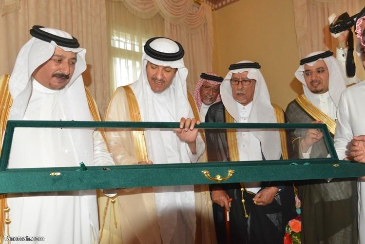 زيارة سمو الأمير سلطان بن سلمان رئيس هيئة السياحة والأثار لمحافظة تنومة 23