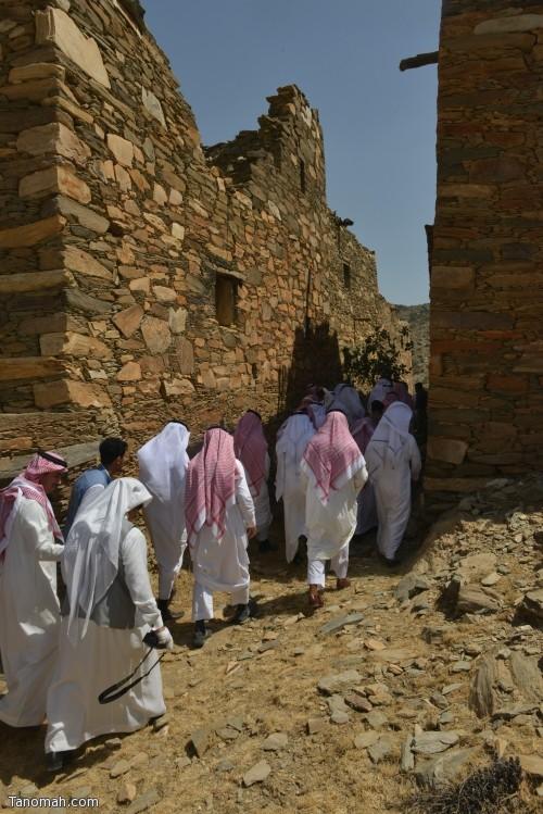 زيارة سمو الأمير سلطان بن سلمان رئيس هيئة السياحة والأثار لمحافظة تنومة 36