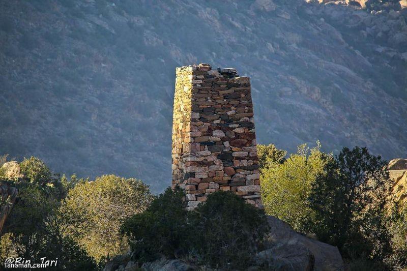 احدى القلاع القديمة في مليح شمال محافظة تنومة