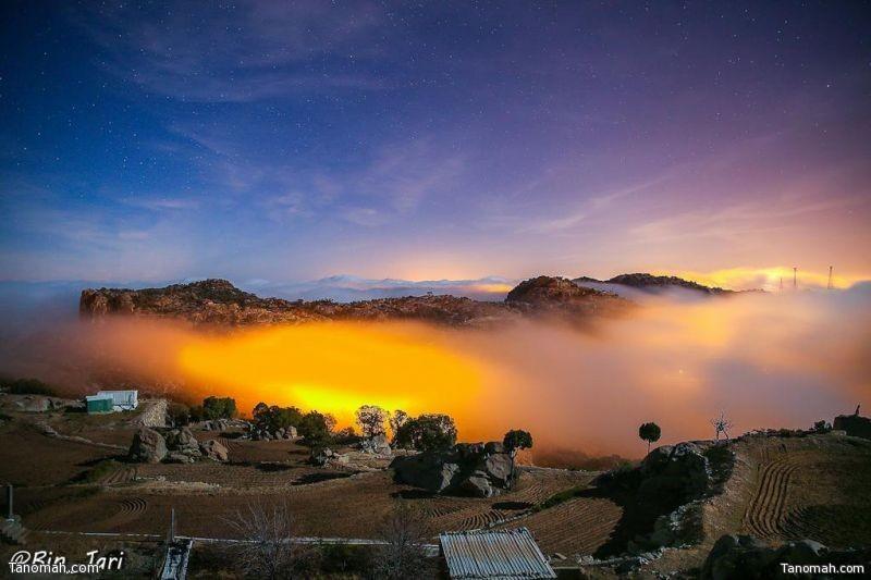 لقطة ليلية من رأس جبل مومة شمال محافظة تنومة
