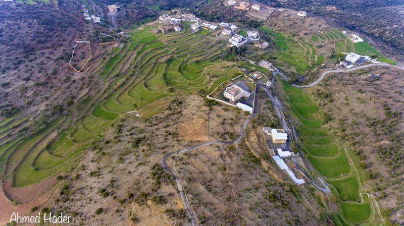 جمال وروعة الطبيعة في جبال السروات هذه الصورة للمدرجات الزراعية في #عسير ..عدسة أحمد حاضر