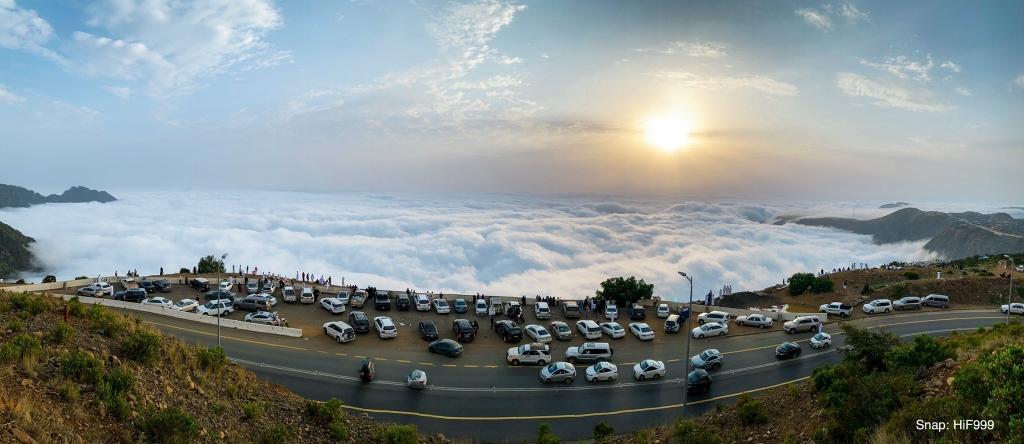 فوق الغيم... تصوير حسين ال فايع