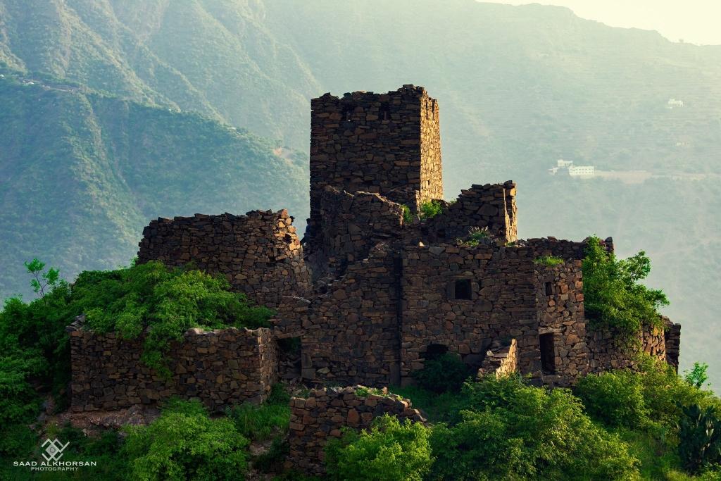 منازل أثرية في #رجال_المع   عدسة:سعد آل خرصان
