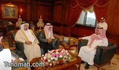 مدير جامعة الملك خالد يستقبل وفدًا من مشايخ وأهالي تنومة