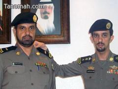 مدير شرطة تنومه يقلد محمد الأسمري رتبته الجديدة