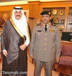 الأمير محمد بن فهد يقلد الشهري  مساعد مدير شرطة المنطقة الشرقية رتبته الجديدة
