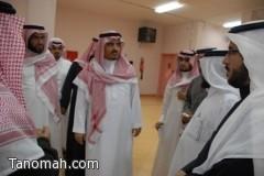 معالي مدير جامعة الملك خالد يتفقد كليات النماص
