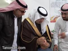 الهزاني يدشن حملة التطعيم ضد شلل الأطفال بتنومة اليوم