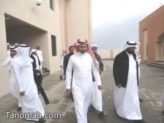 طلاب ثانوية مجمع زيد بن ثابت يزورون فرع جامعة الملك خالد بتنومة