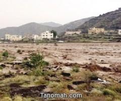 """وفاة وإصابة وإحتجازات في أمطار """"وادي بقرة"""" وبارق والمجاردة"""