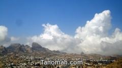 الغيوم ترسم لوحة فنية في سماء تنومة