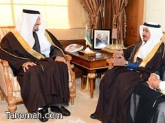 أمير عسير يستقبل الدكتور ظافر بن حنتش رئيس نادي الأحساء الأدبي