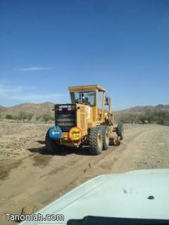 وزير النقل يوقع عقد استكمال طريق منصبة تنومة