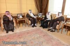 أمير عسير يستقبل معالي وزير الشئون الاجتماعية