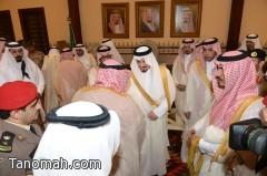 بالصور ... أمير عسير يستقبل المهنئين بعيد الفطر المبارك