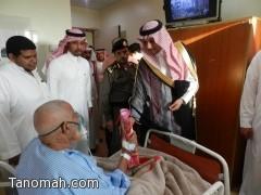 محافظ محايل يعايد المرضى بمستشفى محايل