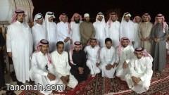 مدرسة الإمام البخاري تكرم المعلم محمد آل خنبش