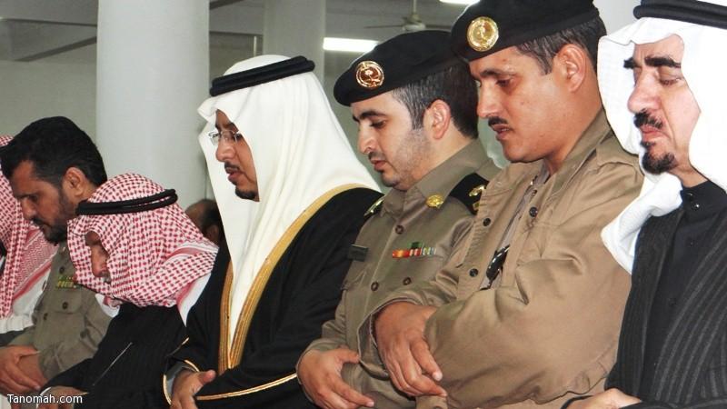 الهزاني يؤدي صلاة الغائب على فقيد الأمة مع أهالي محافظة تنومة ويعلنون البيعة للملك سلمان