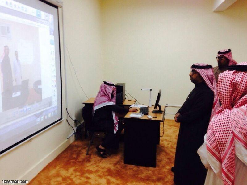 مدير مكتب تنومة يدشن نظام كاميرات المراقبة بمجمع الحسين بن علي التعليمي