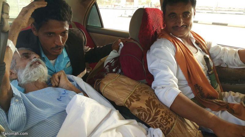 صحة عسير تنقل مقيم غير نظامي الى الحدود اليمنية بعد ان أتم علاجه