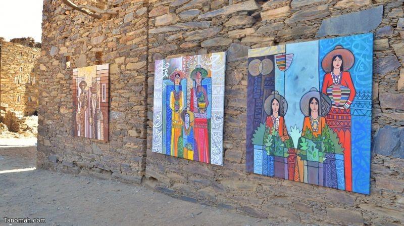 إضاءات الفوانيس ولوحات الموروث العسيري في قرية العكاس التراثية