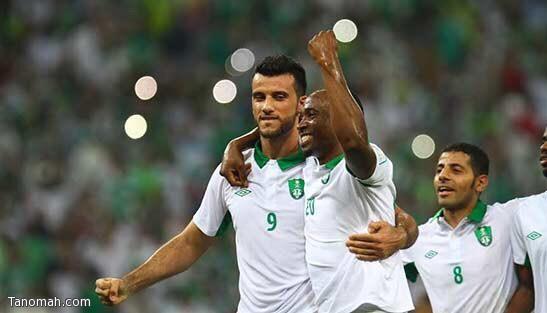 الأهلي يمطر شباك النصر بأربعة أهداف وينتزع منه فوزاً ثميناً