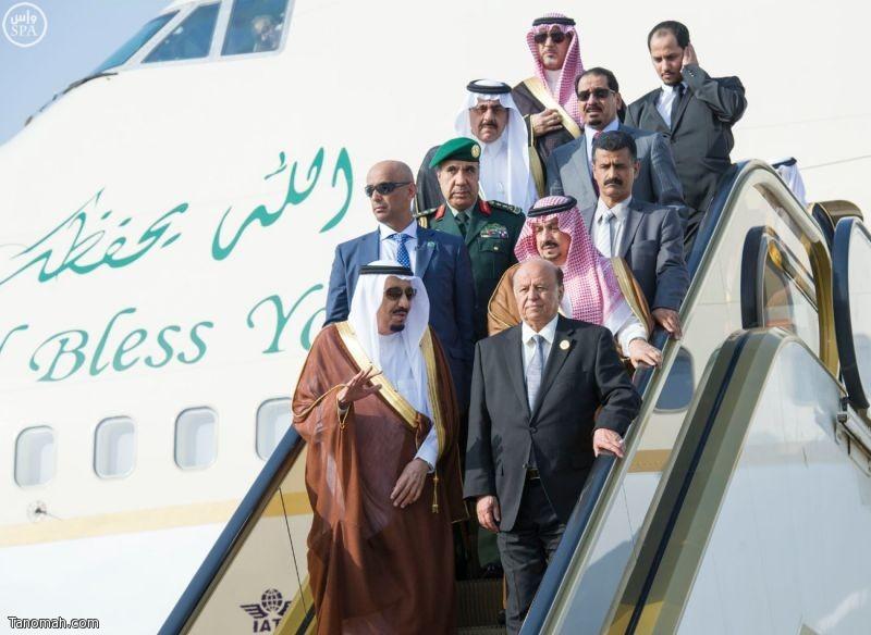 خادم الحرمين الشريفين يصل إلى الرياض يرافقه فخامة رئيس الجمهورية اليمنية