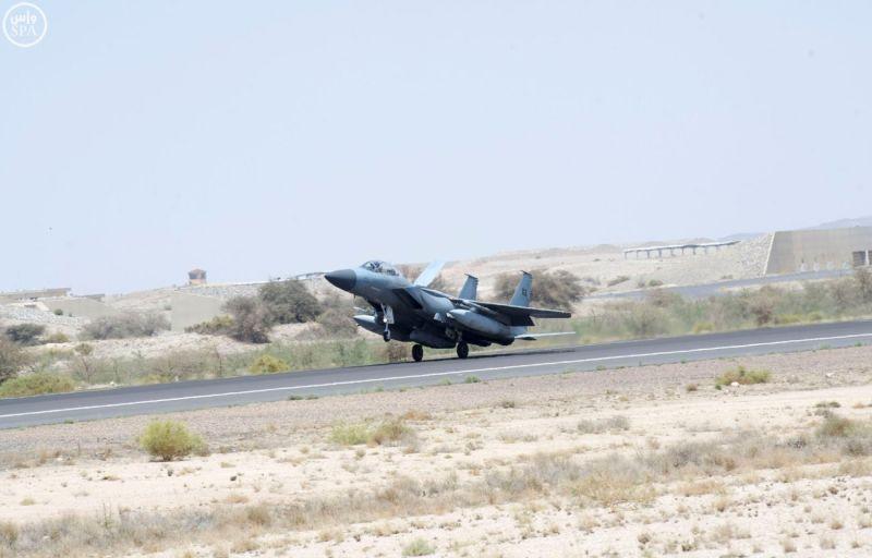 """عاصفة الحزم """" مستمرة لليوم الثامن وتعمل على إكمال تدمير قدرات الميليشيات الحوثية"""