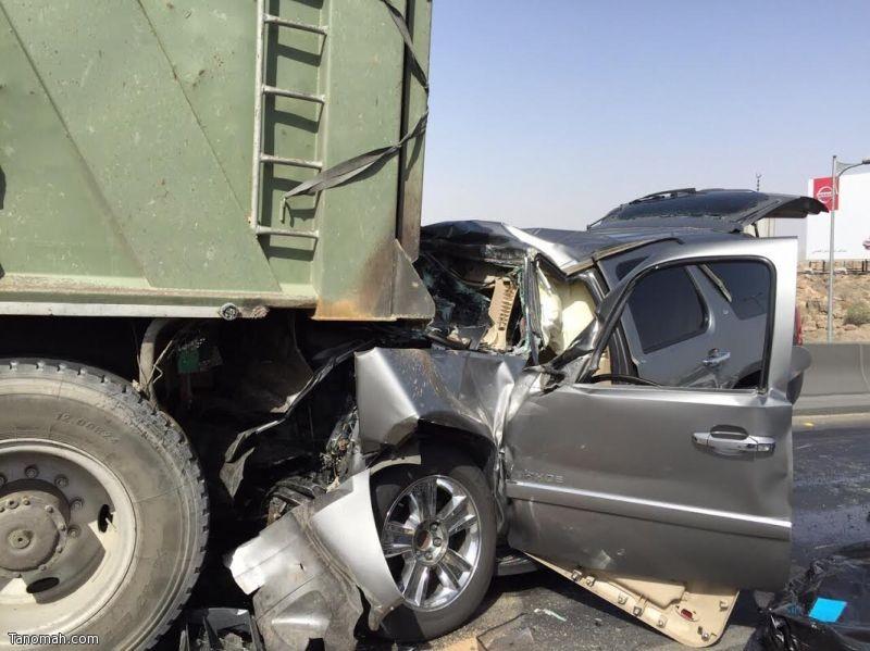 في حادثين منفصلين..وفاة شخص وإصابة 14 أخرين في عسير